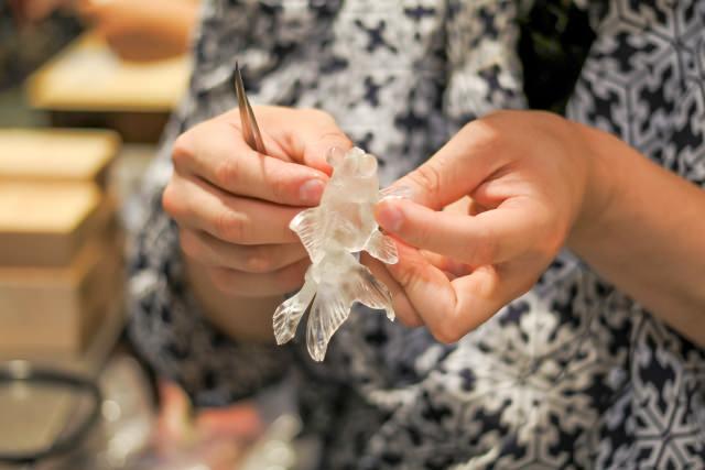 江戸の伝統工芸飴細工が体験できる「あめ細工吉原」