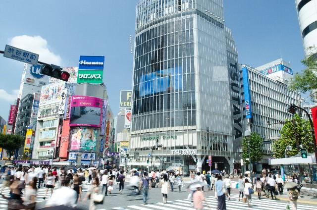 1. 渋谷の代名詞でもある「スクランブル交差点」