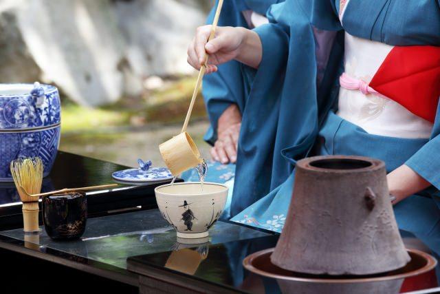 銀座でお茶の心が学べる「茶禅」