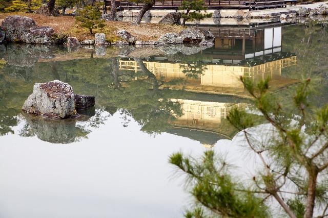 ①鏡湖池(きょうこち)
