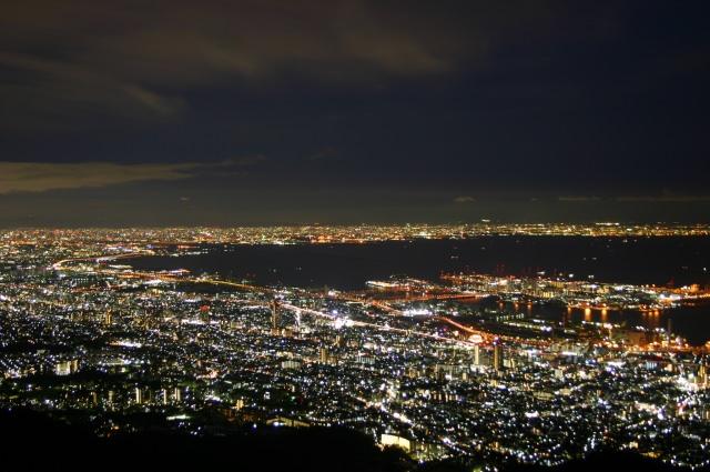 2. 100万ドルの夜景を見下ろす「六甲山」