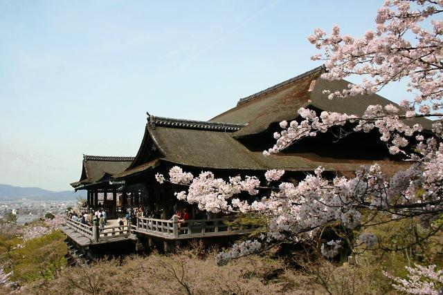 【第5位】 舞台からの絶景を眺める「清水寺」