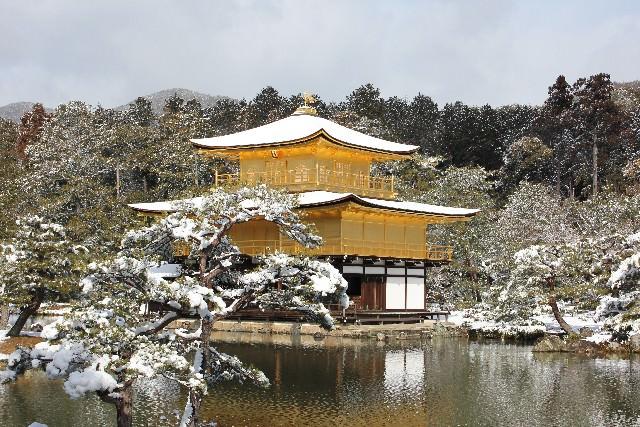 1. 雪の降った日の金閣寺は別格
