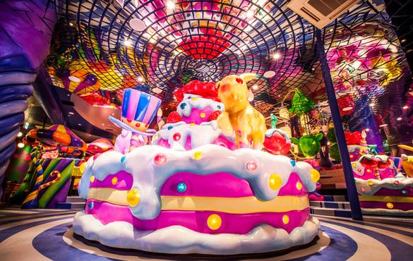 奇抜で驚き満載!原宿の新しい観光スポット「KAWAII MONSTER CAFE」に行ってみよう!