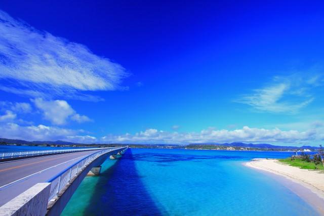 2. 周囲に広がるのは絶景の海だけ「古宇利大橋」