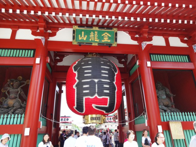 2. 情緒あふれる下町観光の代表格!「浅草寺」