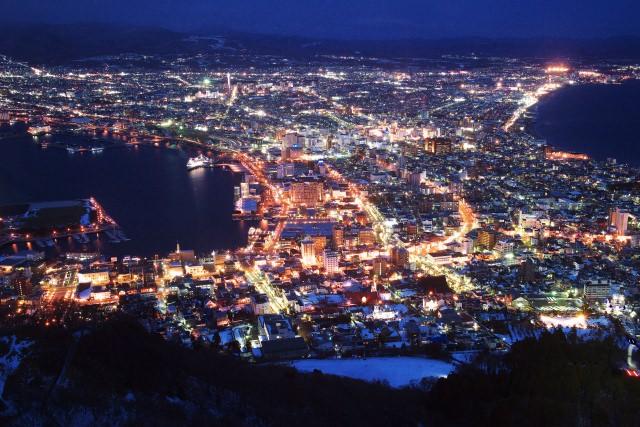 函館山の夜景の定番はやはりロマンチックな「冬夜景」