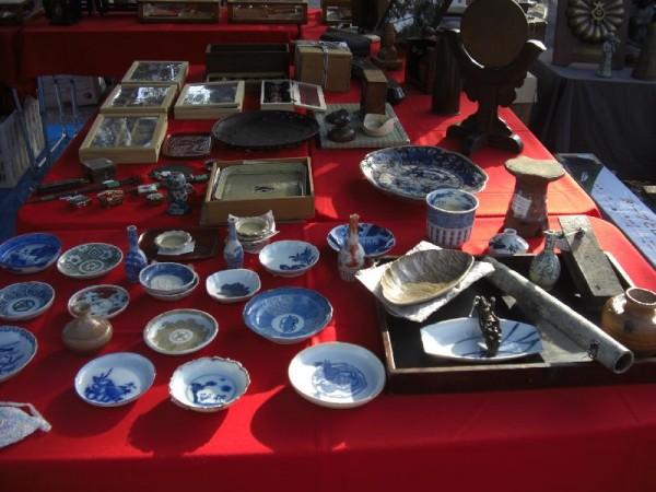 骨董品やガラクタがいっぱい!京都の有名手作り市の開催日程まとめ!