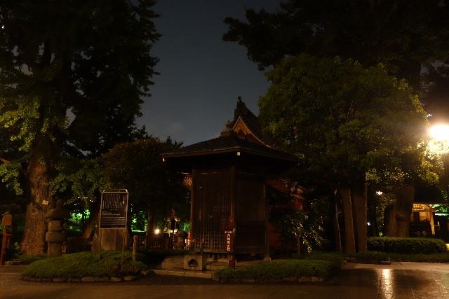 8. 浅草寺最古の建造物「六角堂」