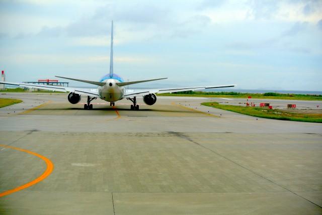 まずは飛行機!那覇空港の国内・海外への就航先