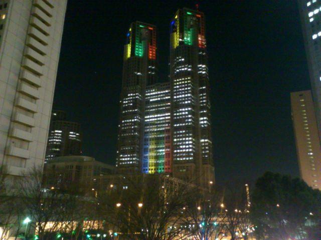 1. 都内の様々な観光スポットが一望できる「新宿都庁舎」