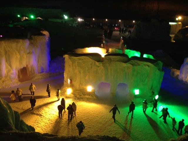 8. 古きから受け継がれる伝統のお祭り「層雲峡温泉氷瀑まつり」