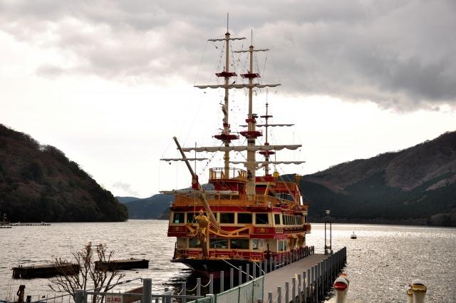 4. 遊覧船に揺られながら楽しむひとときを「箱根芦ノ湖」