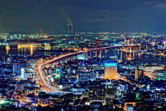 9. 日本夜景遺産にも登録された「高塔山公園」
