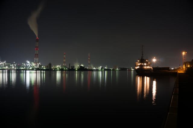 6. クルーズ船に乗って楽しめる「北九州の工場夜景」