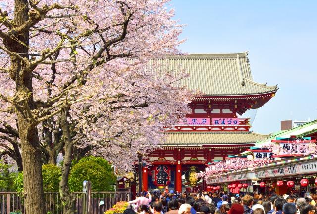 3. 趣ある町に観光へいくならシックにまとめよう「浅草浅草寺」