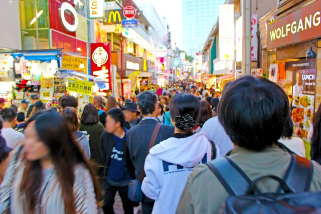 1. まずはここから!東京観光の定番!「竹下通り」