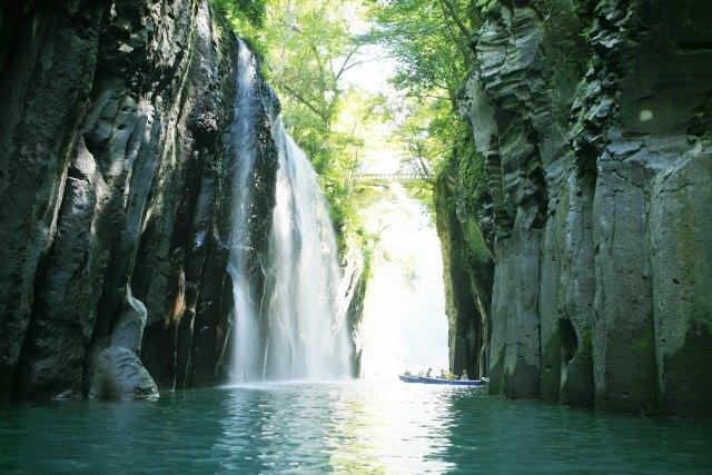 1. 宮崎が誇る渓谷、その美しさに心奪われる「高千穂峡」