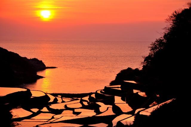 5. 田んぼと玄界灘が織りなす佐賀の絶景「浜野浦の棚田」