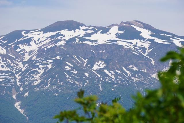 5. 白川郷にそびえ立つ美しい山「白山」