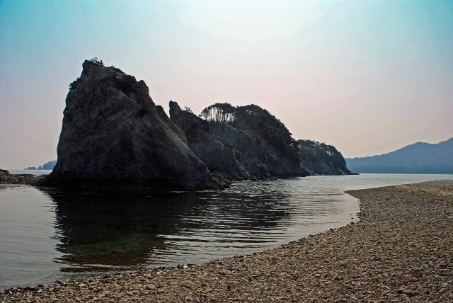 9. 奇岩がそびえる景勝地。岩手の名所といえば「浄土ヶ浜」
