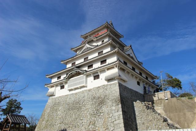 8. 佐賀の名所が一望出来る。400年の歴史がある「唐津城」