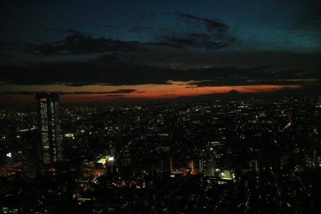 3. 日本の中心から東京を一望出来る。新宿の夜景が楽しめる!「東京都庁 展望台」