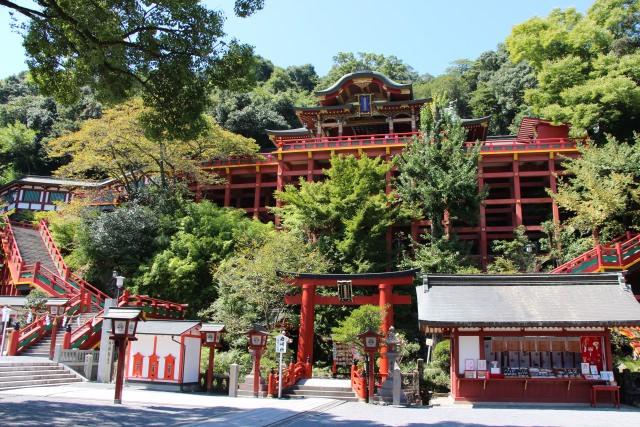 2. 創建330年もの伝統がある佐賀の神社「祐徳稲荷神社」