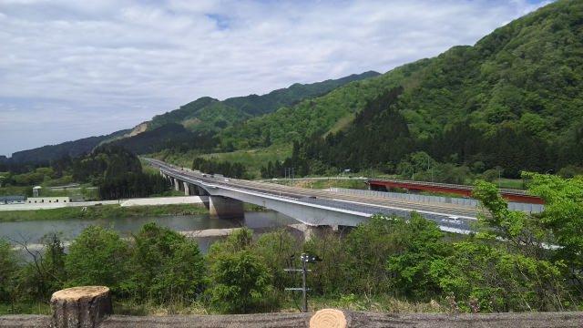 5. 新潟県の雄大な自然を鑑賞する「阿賀野川(あがのがわ)ライン舟下り」