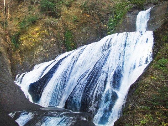4. 日本三大名瀑の1つ。茨城の観光名所「袋田の滝」