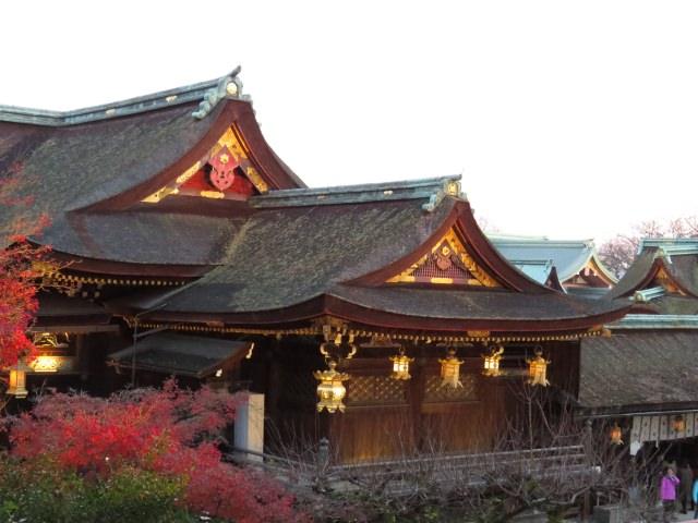 1. 紅葉の季節における夜のライトアップは必見!「北野天満宮」