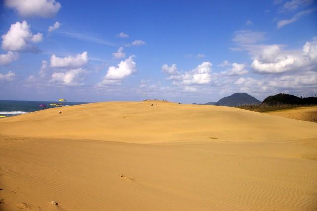 1. ココに行かなきゃ始まらない!鳥取観光の定番観光スポット「鳥取砂丘」