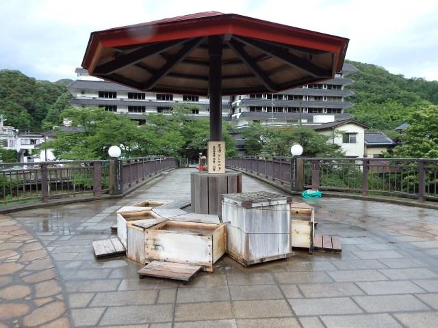 9. 鳥取で温泉を楽しむ。ほたるの光を一緒に。「三朝温泉」