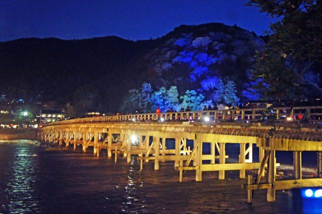 5. 冬のライトアップイベントは必見!京都嵐山の夜を観光する!「渡月橋」