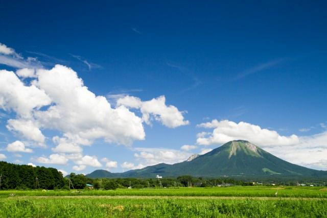 7. 伯耆富士との異名を持つ美しい山。鳥取の自然を感じる「大山(だいせん)」