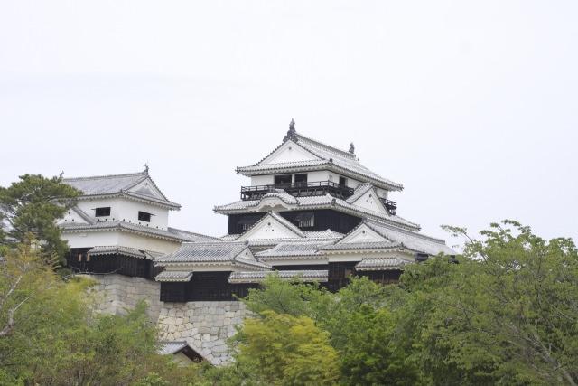 3. 松山の歴史的建造物を楽しむ。歴史好きにはたまらない観光地「松山城」