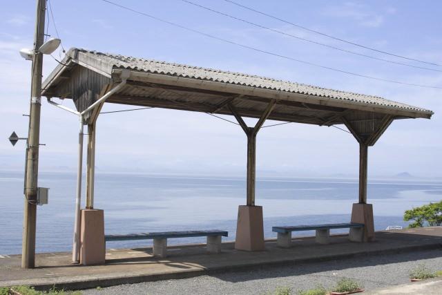 8. 美しい景色は圧巻。愛媛にある絵になる駅「JR下灘駅」