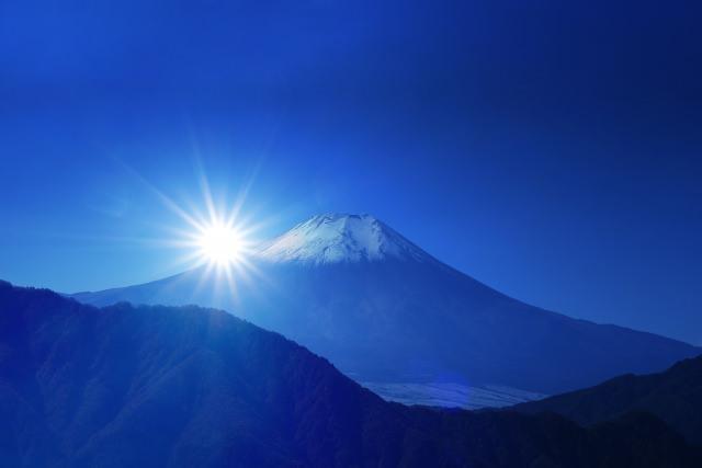 40. 【山梨県】日本一の山は海外観光客にも人気の観光スポットに「富士山」