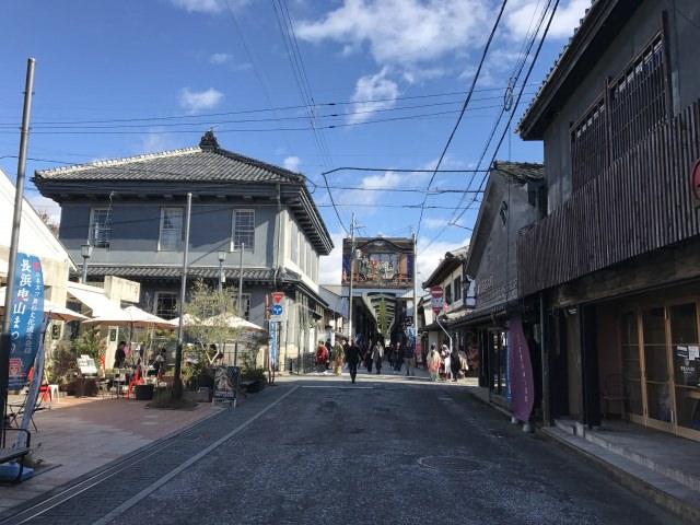 53. 【滋賀県】レトロな街並みを残すガラスの街は必見です!「黒壁スクエア」