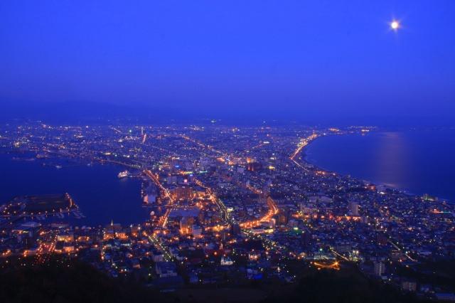 3. 日本三大夜景から見る絶景は必ず見ておきたい定番スポット!「函館山」