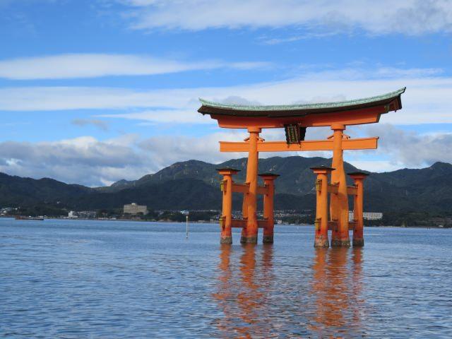 72. 【広島県】日本三景に選ばれた自然豊かな島を観光!「宮島」