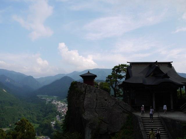 12. 山形県有数の絶景スポットは日本観光でぜひ訪れたい!「立石寺」