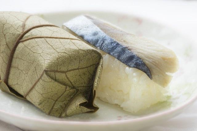 26. 【奈良県】お土産にも最適!奈良県伝統の郷土料理をいただく!「柿の葉寿司」