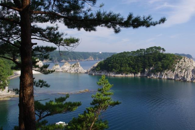 7. 夏と冬で表情を変える日本を代表する景勝地!「浄土ヶ浜」
