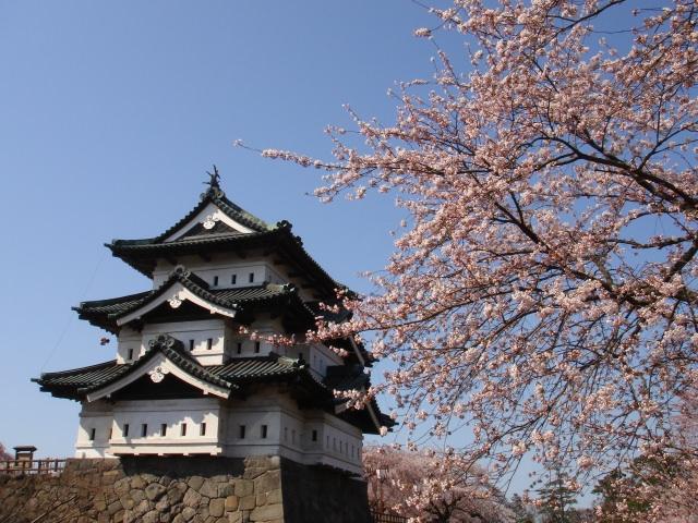 1. 江戸時代の姿を残す名城。「弘前城」