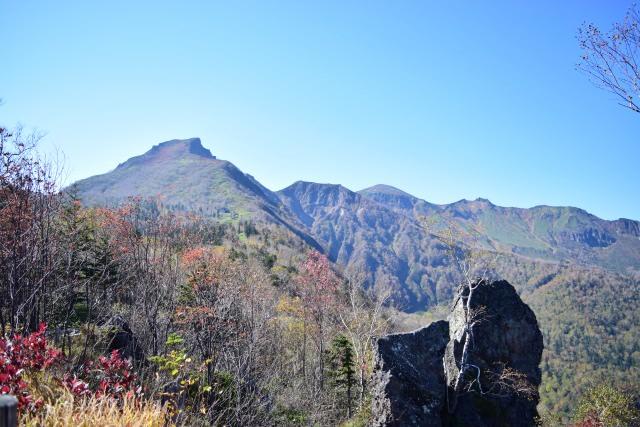 6. 壮大な滝景色とともに紅葉を楽しむ「層雲峡」