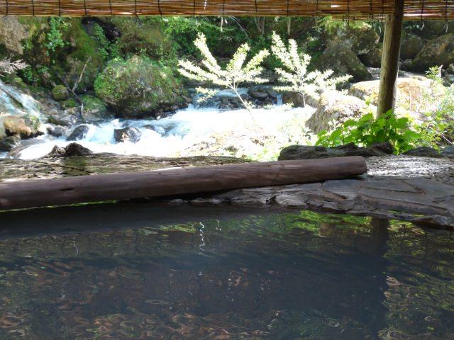7. 乳白色のお湯で癒される!松本の人気観光スポット「白骨温泉」
