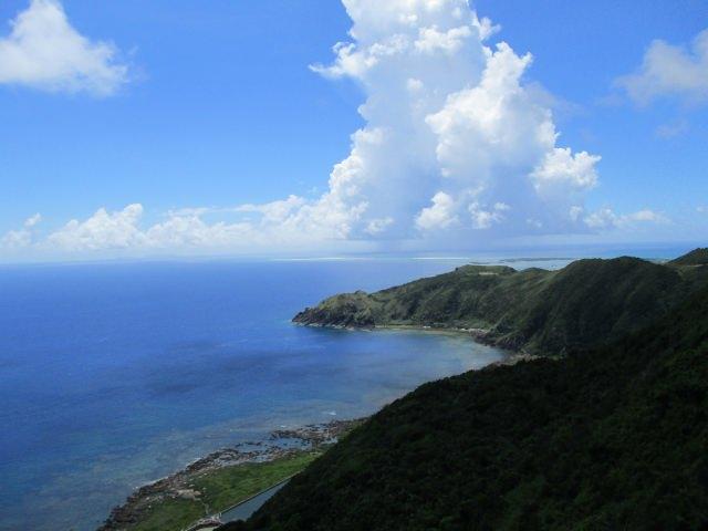 6. 久米島の絶景といったらここ!地元でも人気なスポット「比屋定バンタ」