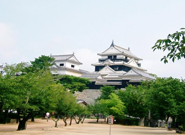 9. 四国松山の名所。歴史感じる見ておきたい観光スポット「松山城」