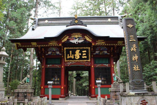 6. 関東最大のパワースポット!秩父の山奥に佇む神秘的な神社「三峯神社」